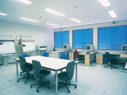 <p>CAD/CAM  設計室<br /> Edge-Cam EUKLID SolidWorks<br /> CADCEUS Rhinoceros<br /> RAPIDO Pro/ 他</p>