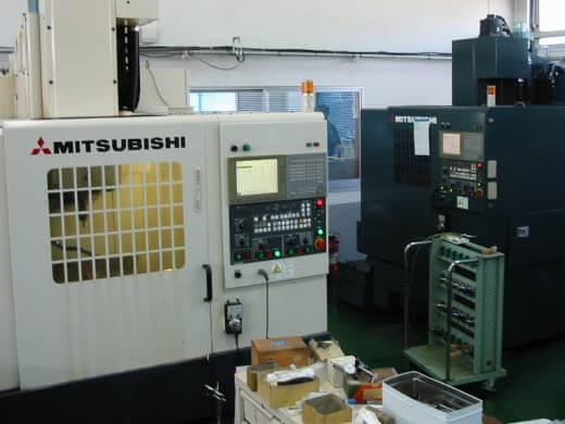 <p>マシニング<br /> MITSUBISHI 5CN  4CN</p>